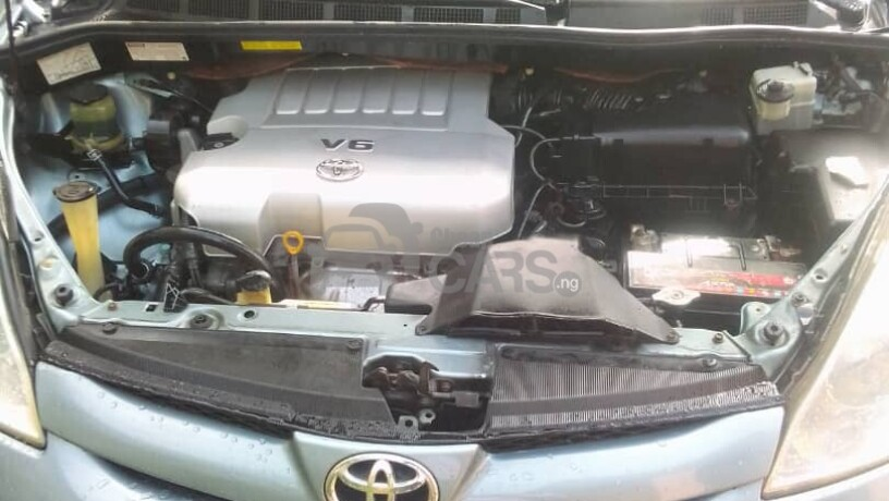 foreign-used-2008-toyota-sienna-big-3