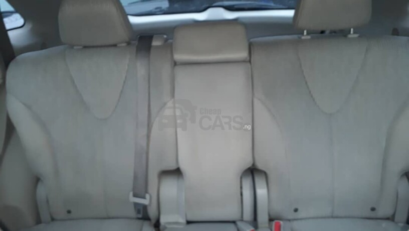 foreign-used-2010-toyota-venza-big-7