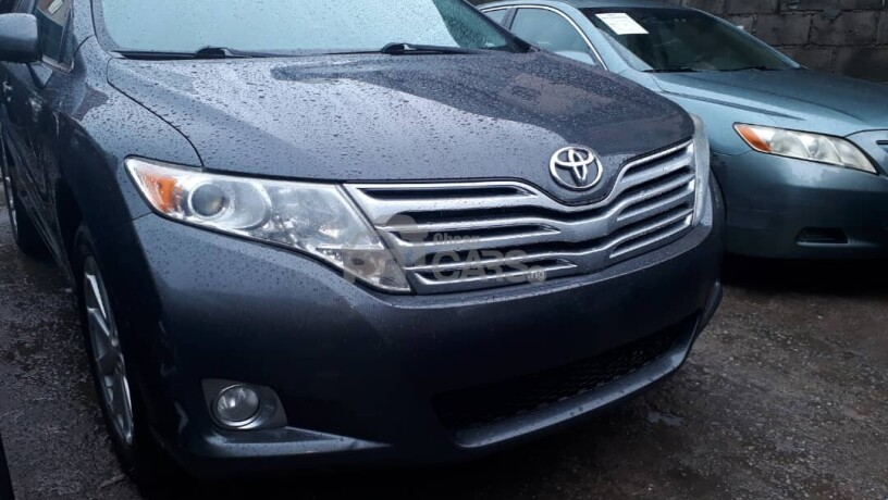 foreign-used-2010-toyota-venza-big-0