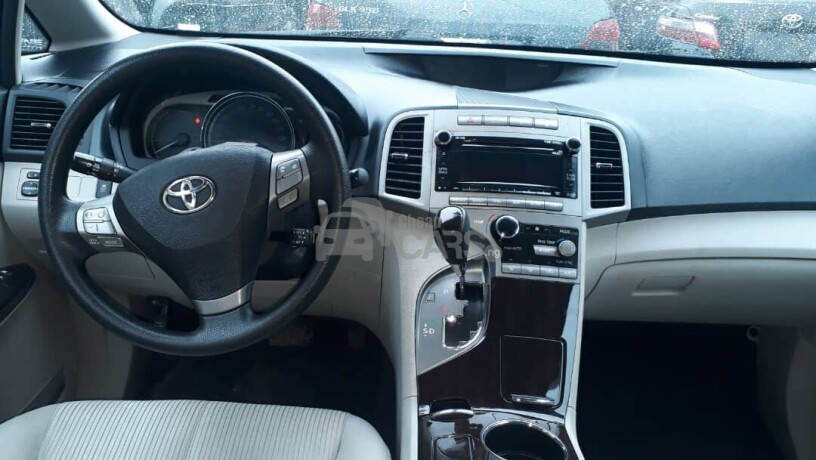 foreign-used-2010-toyota-venza-big-5