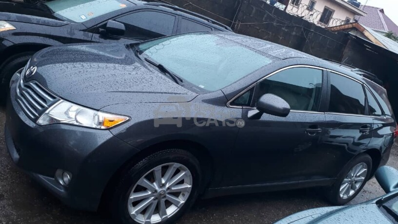foreign-used-2010-toyota-venza-big-1