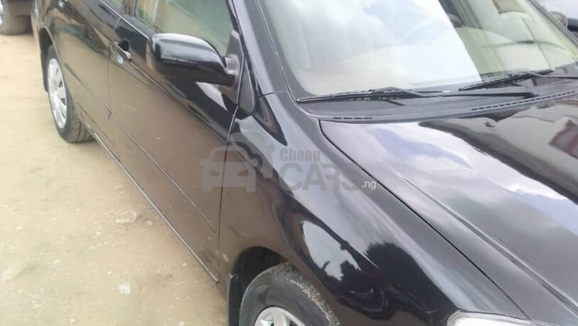 foreign-used-2004-toyota-corolla-ce-big-3