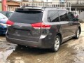 foreign-used-2011-toyota-sienna-small-7