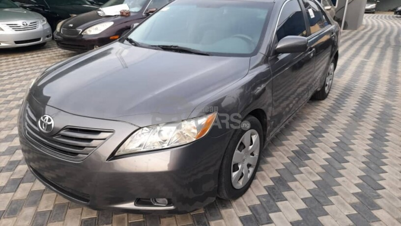 foreign-used-2009-toyota-camry-le-big-1