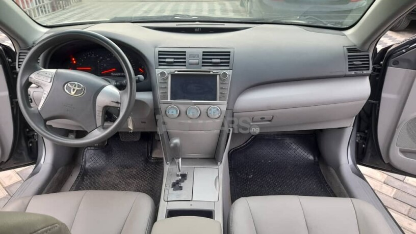foreign-used-2009-toyota-camry-le-big-2