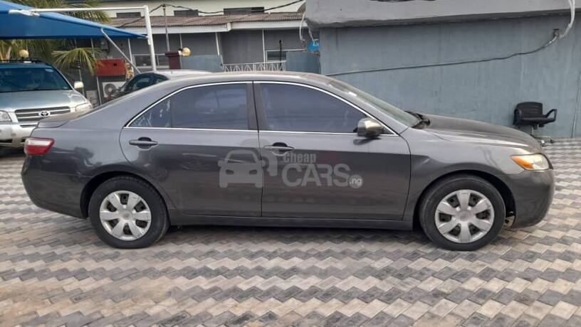 foreign-used-2009-toyota-camry-le-big-5