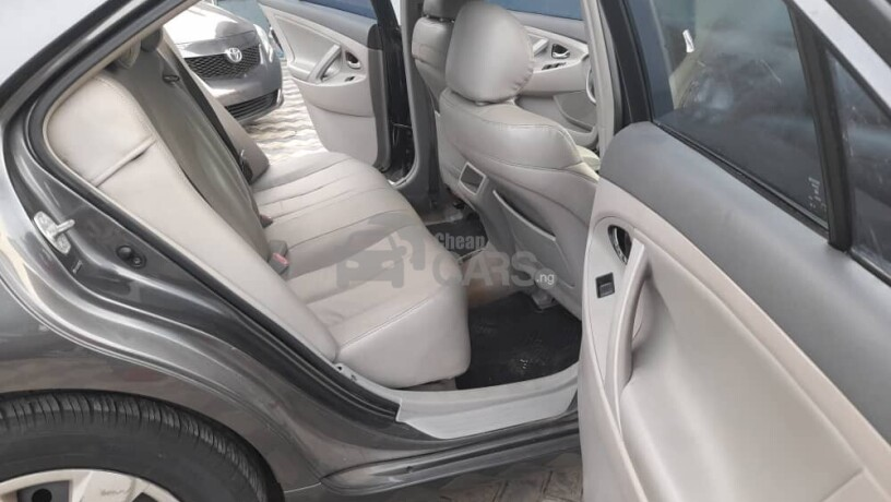 foreign-used-2009-toyota-camry-le-big-6
