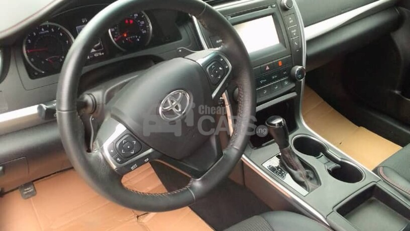 foreign-used-2017-toyota-camry-sports-big-4