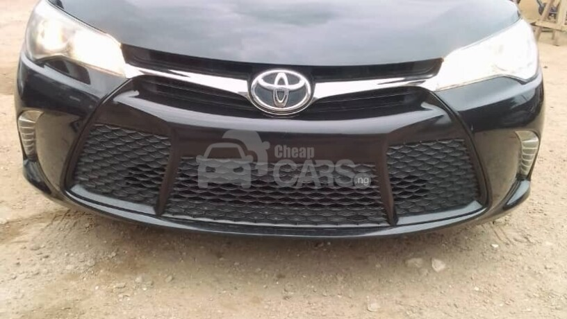 foreign-used-2017-toyota-camry-sports-big-0
