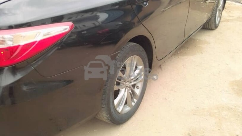 foreign-used-2017-toyota-camry-sports-big-5