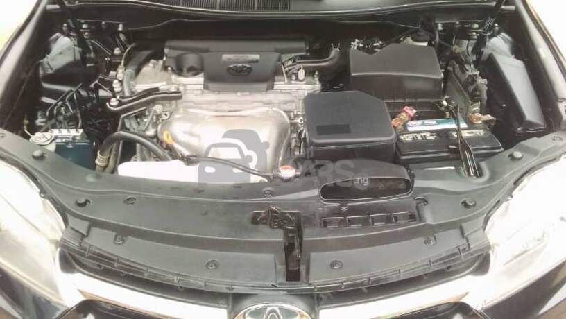 foreign-used-2017-toyota-camry-sports-big-2