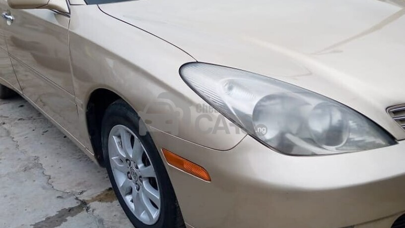 foreign-used-2004-toyota-avalon-big-7