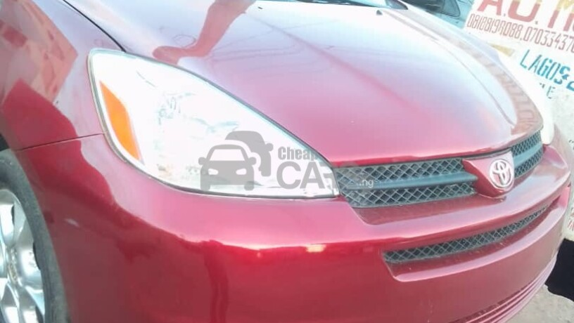 foreign-used-2004-toyota-sienna-le-awd-big-0