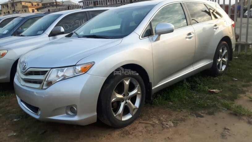 foreign-used-2012-toyota-venza-big-1